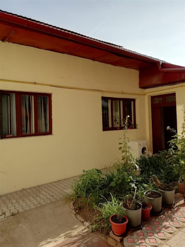 Casa de vanzare, zona semicentrala