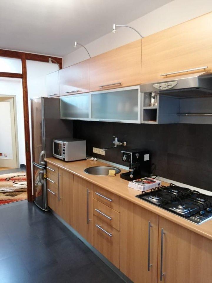 Apartament cu 3 camere, Gradini Manastur, str. Tarnita