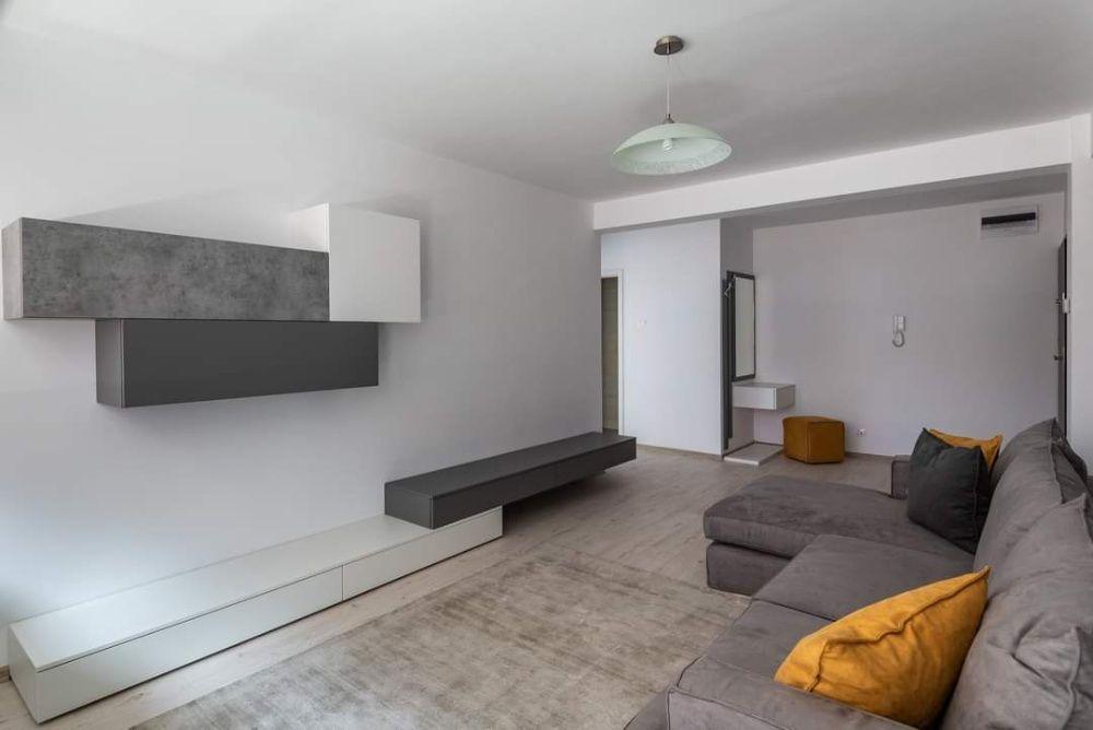 Apartament cu 2 camere in bloc nou, central